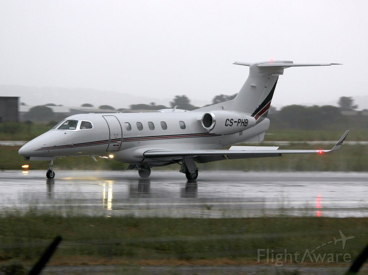 Embraer Phenom 300 (CS-PHB) - 13 aout 2014