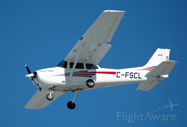 Cessna Skyhawk (C-FSCL) - 2002 Cessna 172S Skyhawk (C-FSCL/172S-9135) on final approach on Jan 23, 2021