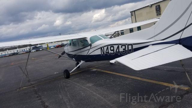 Cessna Skyhawk (N4943D)