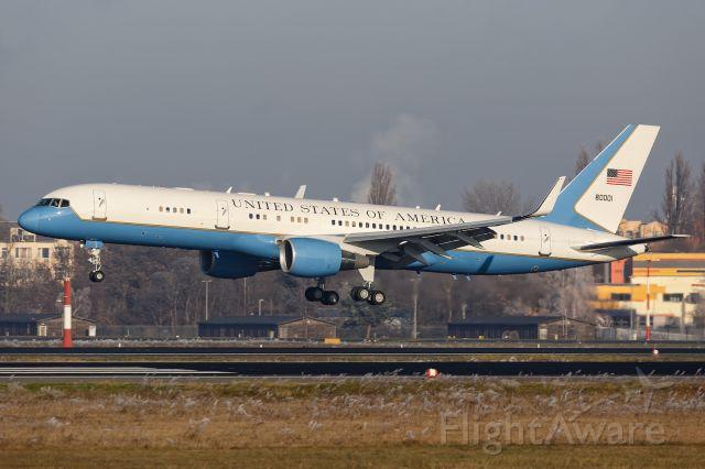 Boeing 757-200 (98-0001)
