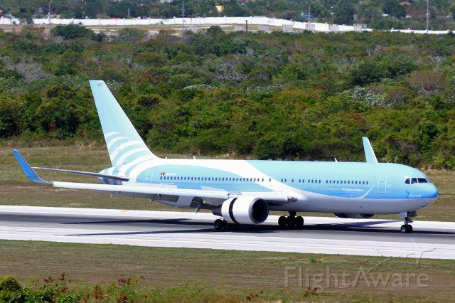 BOEING 767-300 (OO-JAP)