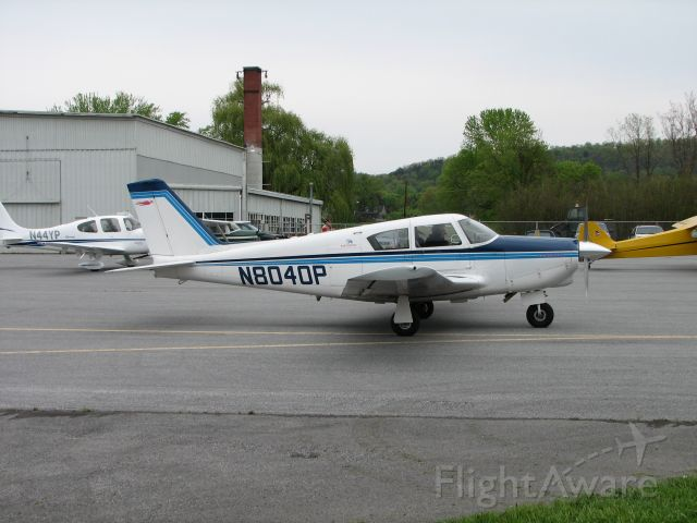 Piper PA-24 Comanche (N8040P) - taxiing by at the Pancake Breakfast.