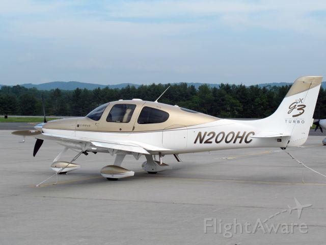 Cirrus SR-22 (N200HC) - A very nice Cirrus.