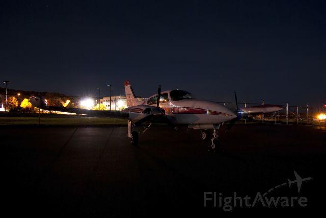 Cessna 310 (N317U)