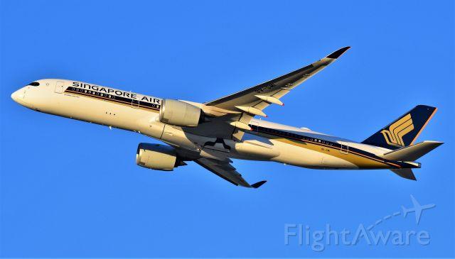 Airbus A350-900 (9V-SMI)