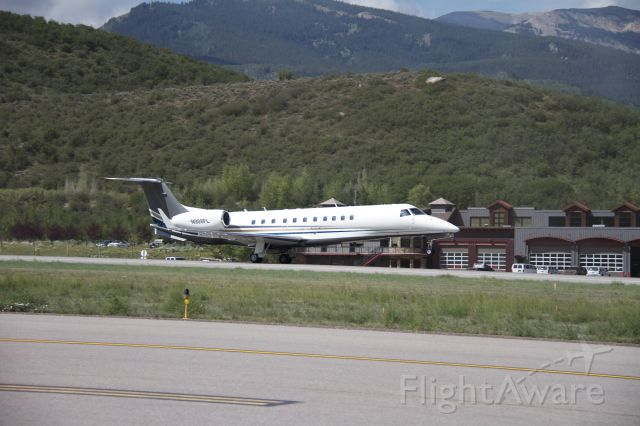Embraer Legacy 600/650 (N908FL)