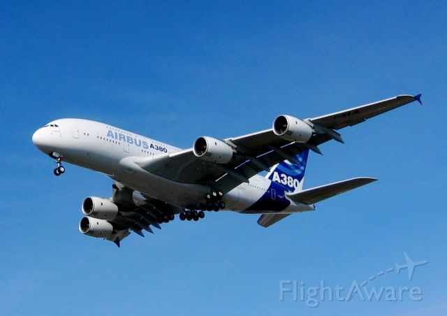 Airbus A380-800 —