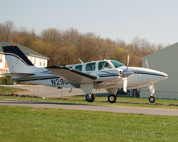 Beechcraft Baron (58) (N29DA)