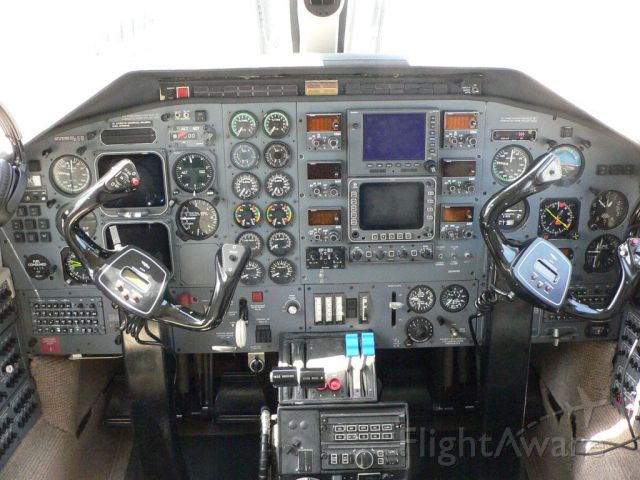 Piper Cheyenne 400 (N37KW) - N37KW Cockpit