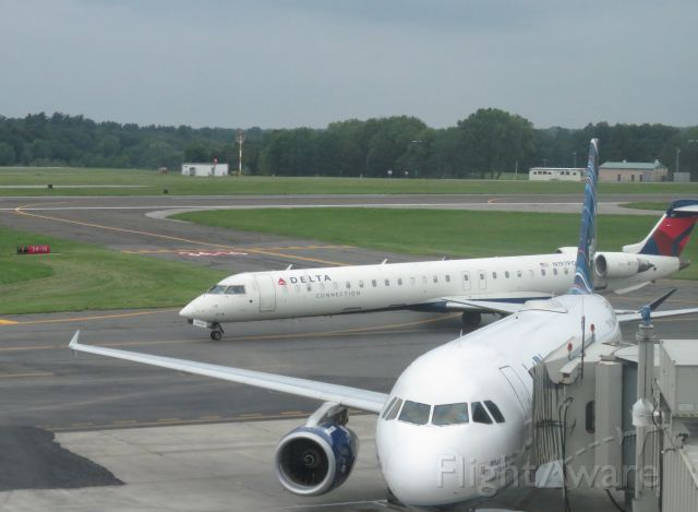 Airbus A320 (N789JB)