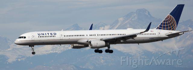 BOEING 757-300 (N75861) - Landing on 16R with Longs Peak in the background.