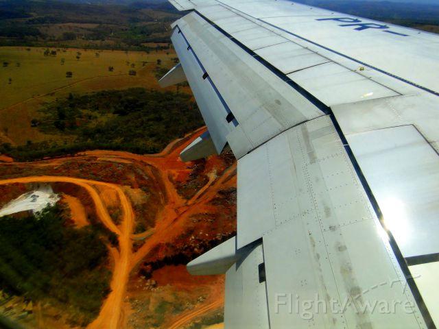 Boeing 737-800 (PR-GTL) - BOEING 737-800 OF GOL AIRLINES FROM VITÓRIA-ES TO BELO HORIZONTE-MG, BRAZIL.LANDING IN BELO HORIZONTE.