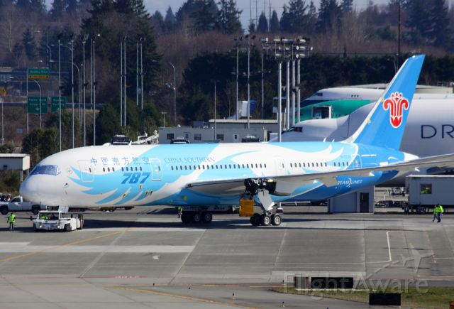 Boeing 787-8 (B-2725) - China Southern Airlines B-2725 on the Boeing Everett flightline March 8, 2013.