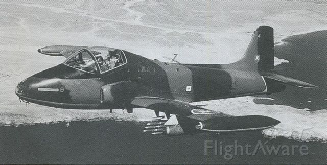 HUNTING PERCIVAL P-84 Jet Provost (01123) - scanned from postcard