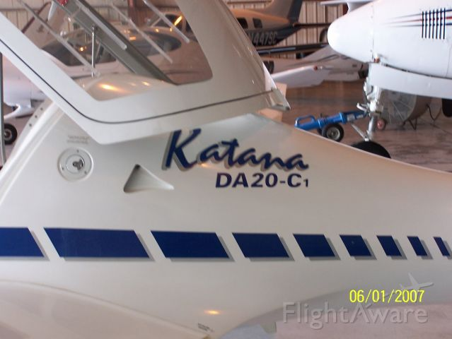 Diamond DV-20 Katana (N802CT)