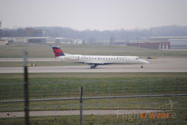 Embraer ERJ-145 (N859MJ) - Landed at KCVG