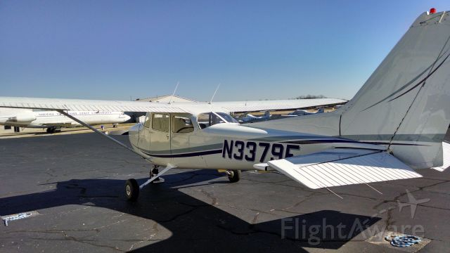 Cessna Skyhawk (N3379E) - Getting ready to pre-flight for a beautiful day of flying.
