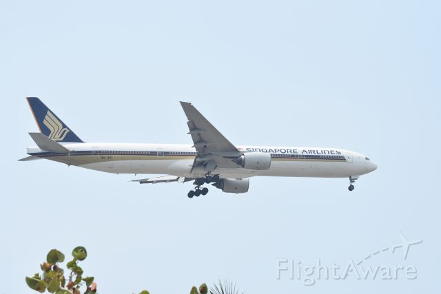 Boeing 777-200 (9V-SYI) - Arrival, Singapore Airlines, RWY20R, Changi. Singapore. 8 Sep 2019
