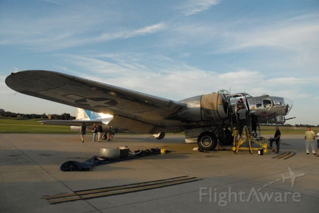 Boeing B-17 Flying Fortress (N9323Z) - Engine Repairs on down cylinder.