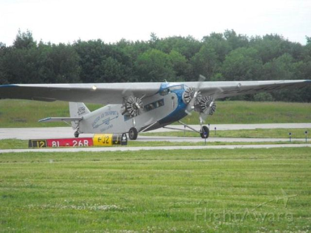 Ford Tri-Motor (NAC8407) - EAA Event