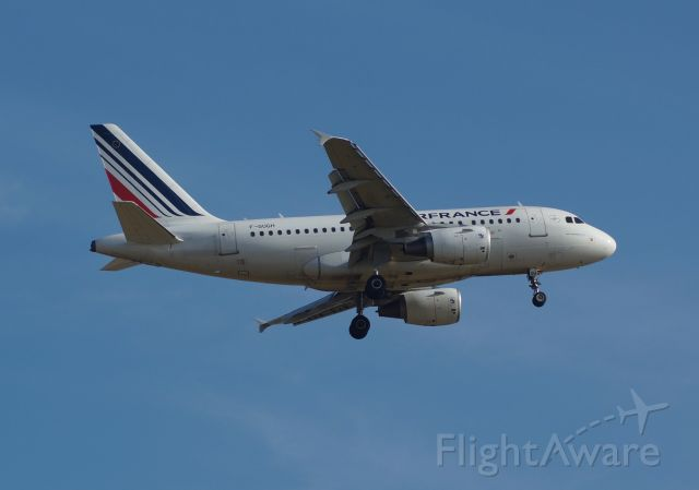 Airbus A318 (F-GUGH)