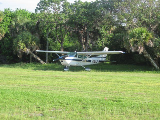 Cessna Skylane (N19AJ)