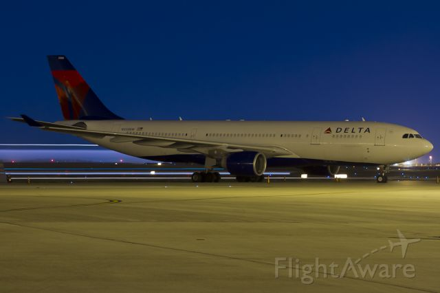 Airbus A330-200 (N858NW) - Oct. 21, 2011.