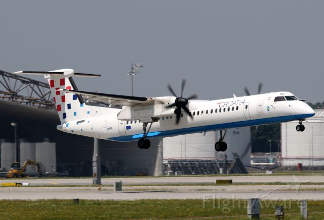 de Havilland Dash 8-400 (9A-CQC)