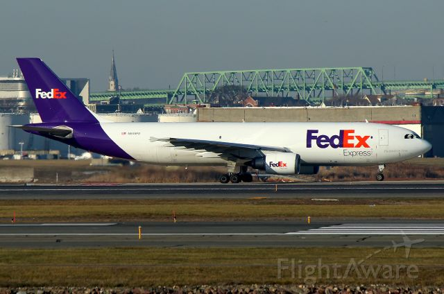 Airbus A300F4-600 (N655FE) - FDX 3601 to Indianapolis taxiing out to 22R