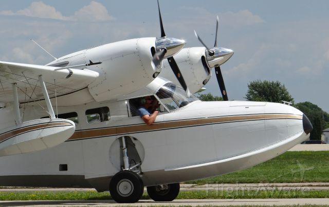 Grumman G-44 Widgeon (N77BD) - A Grumman Widgeon taxing out for departure at EAA AirVenture 2015!