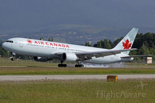 BOEING 767-300 (C-GSCA)