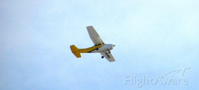 Cessna Skyhawk (XB-NRQ) - Cessna 172 en basico por la izquierda para toque y despegue en pista 31