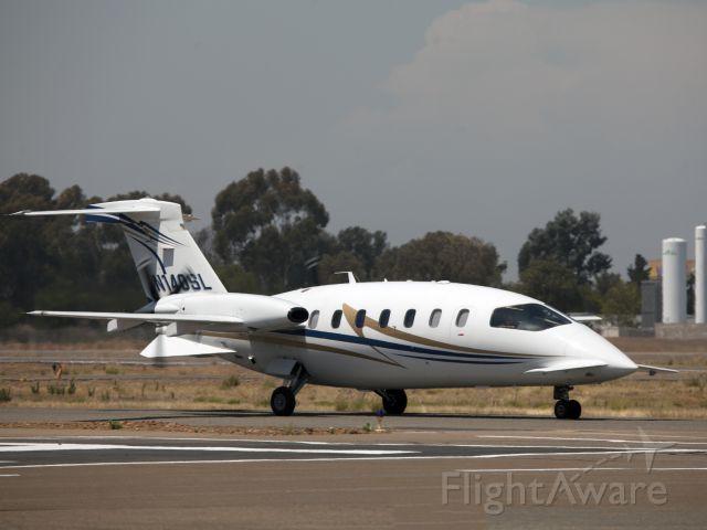 Piaggio P.180 Avanti (N140SL) - Jet speeds with turboprop fuel flows.