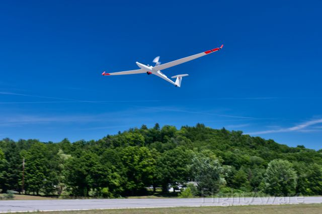 — — - Hartness State Airport, Vermont