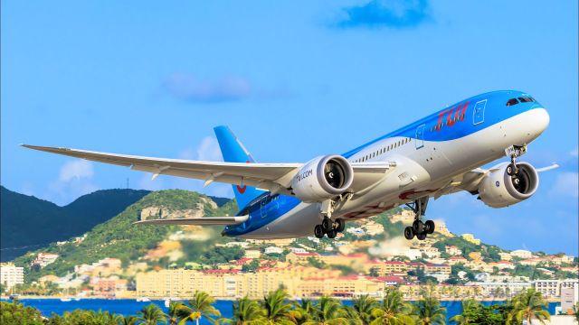 Boeing 787-8 (PH-TFM) - TUI departing TNCM St Maarten on 21-08-2016
