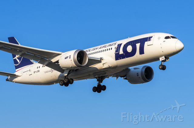 Boeing 787-8 (SP-LRD) - LOT 787 SP-LRD