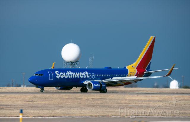 Boeing 737-800 (N8527Q) - southwest emergency landing