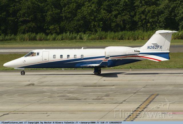 Learjet 60 (N262FX)