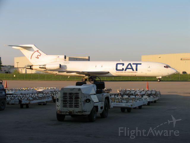 BOEING 727-200 (N8887Z) - Photo taken in May, 2005