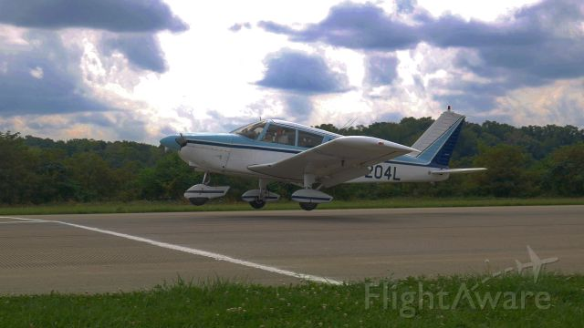 Piper Cherokee (N5204L) - KBVI Spot Landing Contest