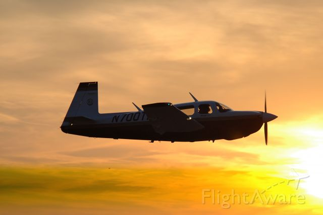 Mooney M-20 (N700TP) - Photo By: Mike Stanfill