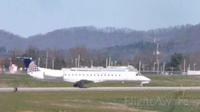 Embraer ERJ-145 —