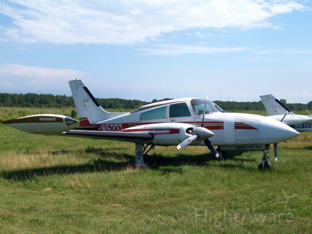 Piper PA-30 Twin Comanche (N1533T)
