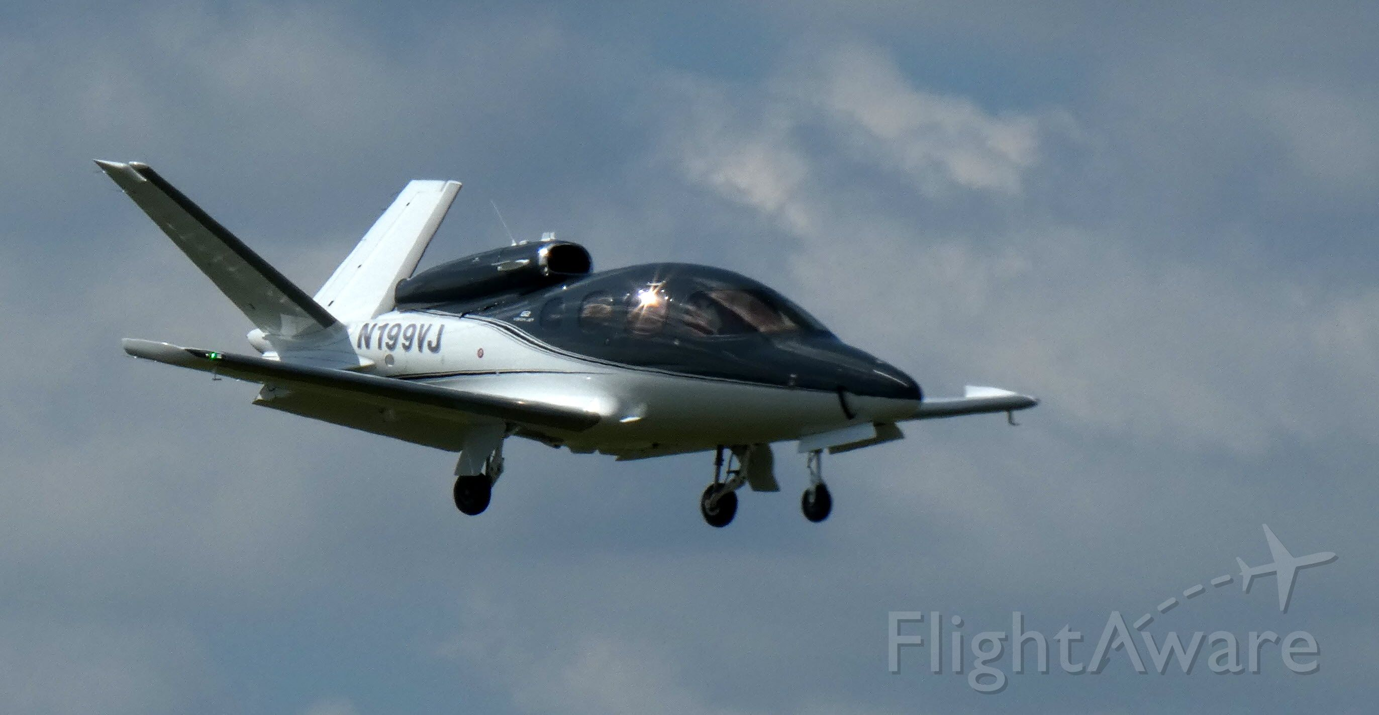 Cirrus Vision SF50 (N199VJ) - On final is this brand new Cirrus Vision SF50 in the Summer of 2020.