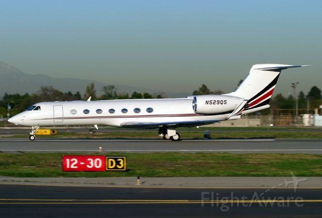 N529QS — - G550 N529QS (cn 5156) rolls for takeoff on Rwy 30 bound for Honolulu, Hawaii.
