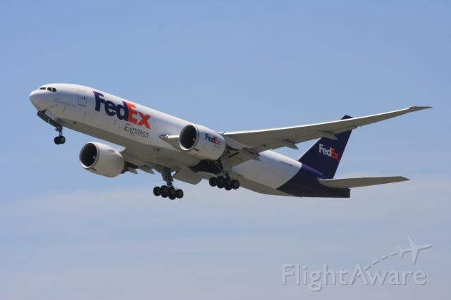 Boeing 777-200 (N850FD)