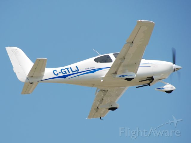 Cirrus SR-20 (C-GTLJ) - SR-20 departing Toronto