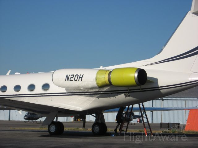 Gulfstream American Gulfstream 2 (N20H) - Hush kits developed by Stage III Technologies for Rolls-Royce Spey-powered Gulfstreams are back with a new name and a new company. Yesterday at Van Nuys Airport in California, Hush Kit LLC, an affiliate of Hubbard Broadcasting of Minneapolis, flew the first production Stage III hush kit installed on a Gulfstream II (N20H), also owned by Hubbard, in preparation for the product's debut at the NBAA Convention in Orlando, Fla., early next month.