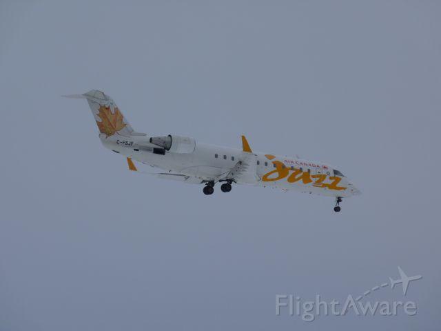 Canadair Regional Jet CRJ-200 (C-FSJF) - landing on runway #32