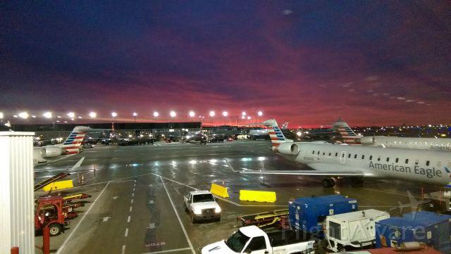 Canadair Regional Jet CRJ-700 (N534AE) - Sunrise over O